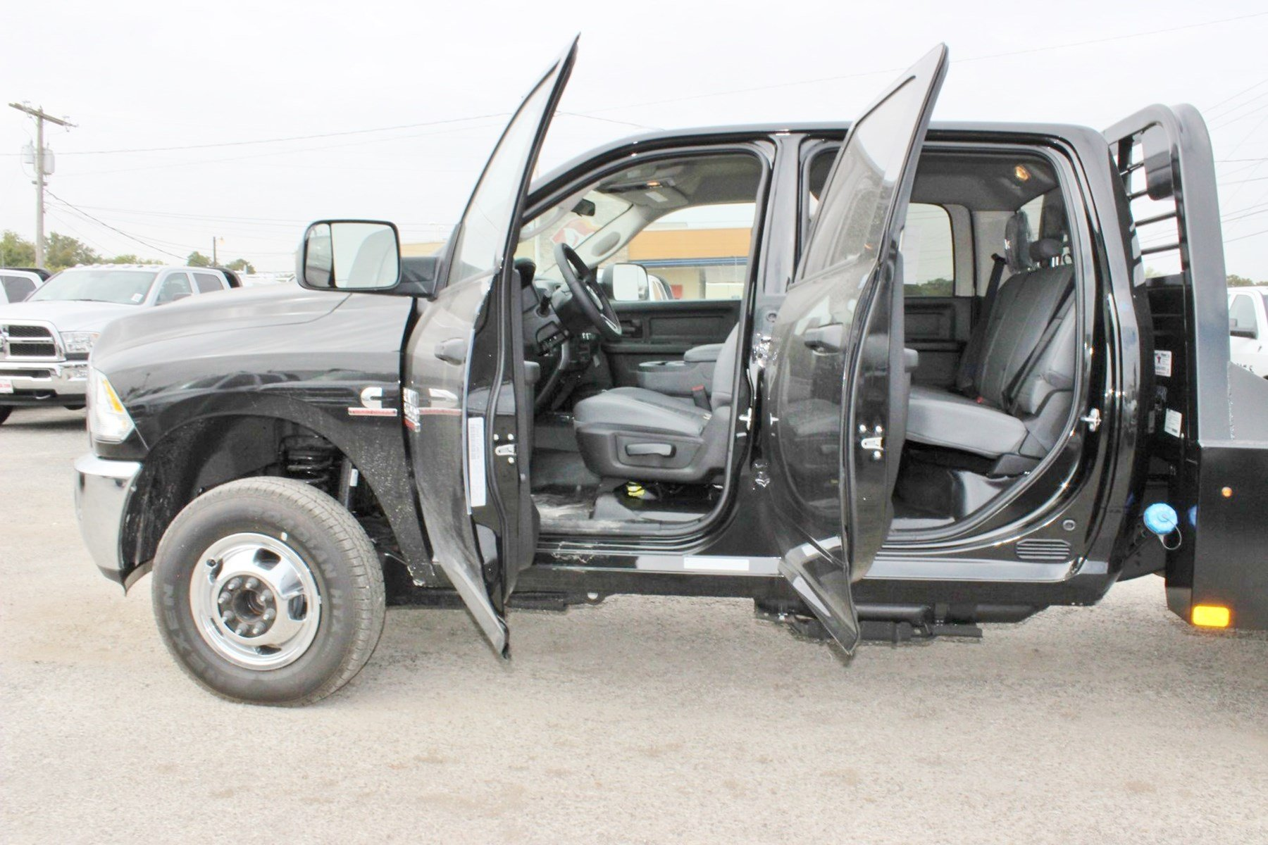 2018 Ram 3500 Crew Cab DRW 4x4 Hauler Body #TG134243 - photo 17