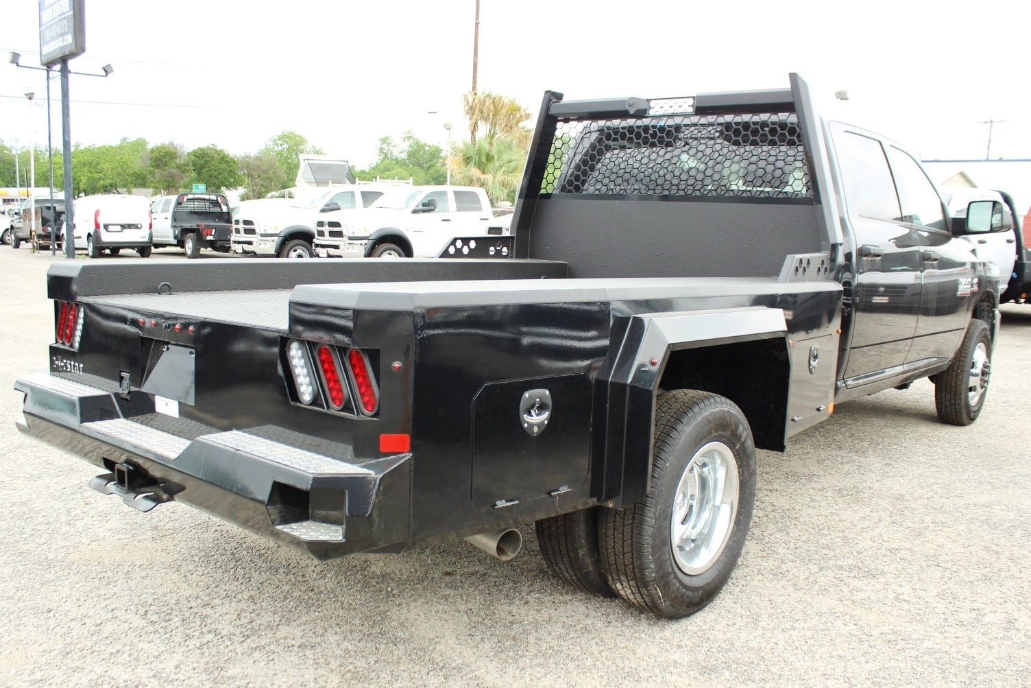 2018 Ram 3500 Crew Cab DRW 4x4,  Flatbed #TG134247 - photo 2