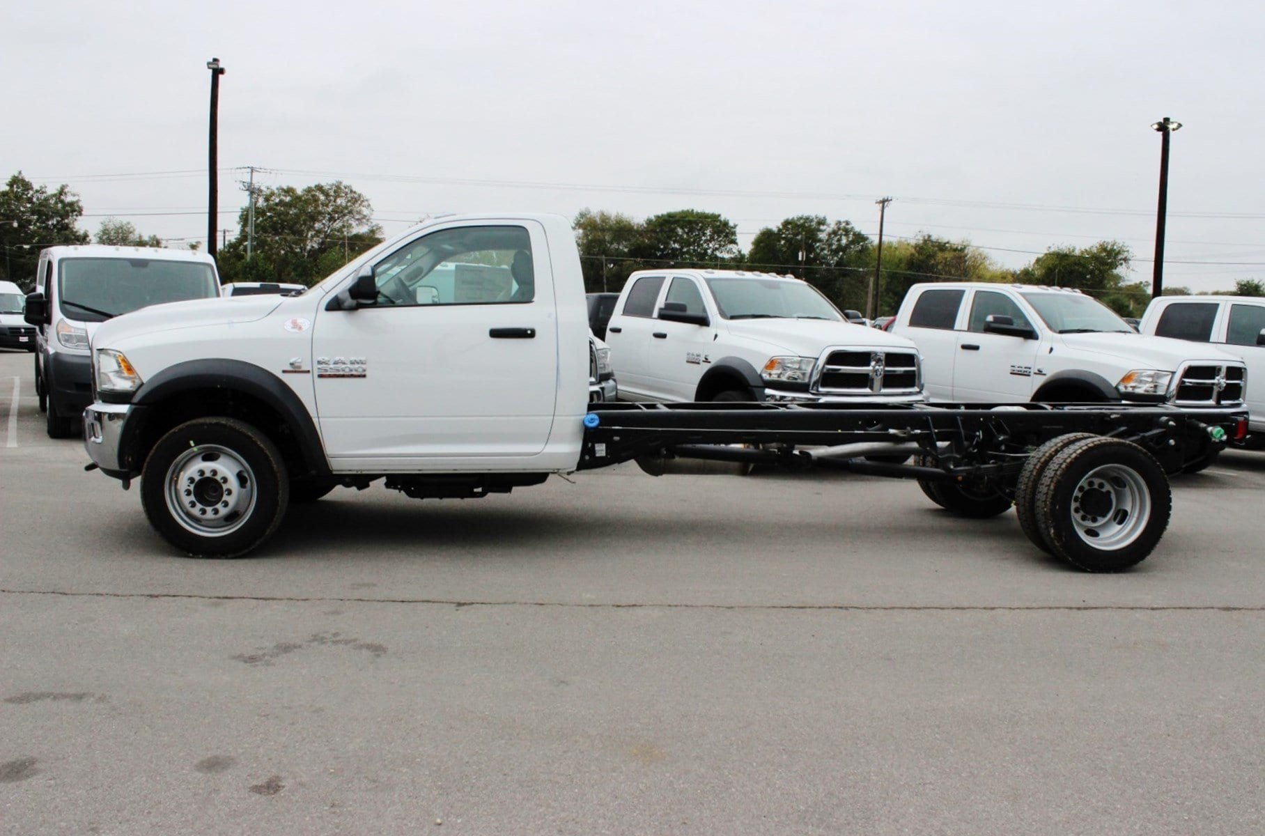 2018 Ram 5500 Regular Cab DRW 4x4 Cab Chassis #TG137365 - photo 3