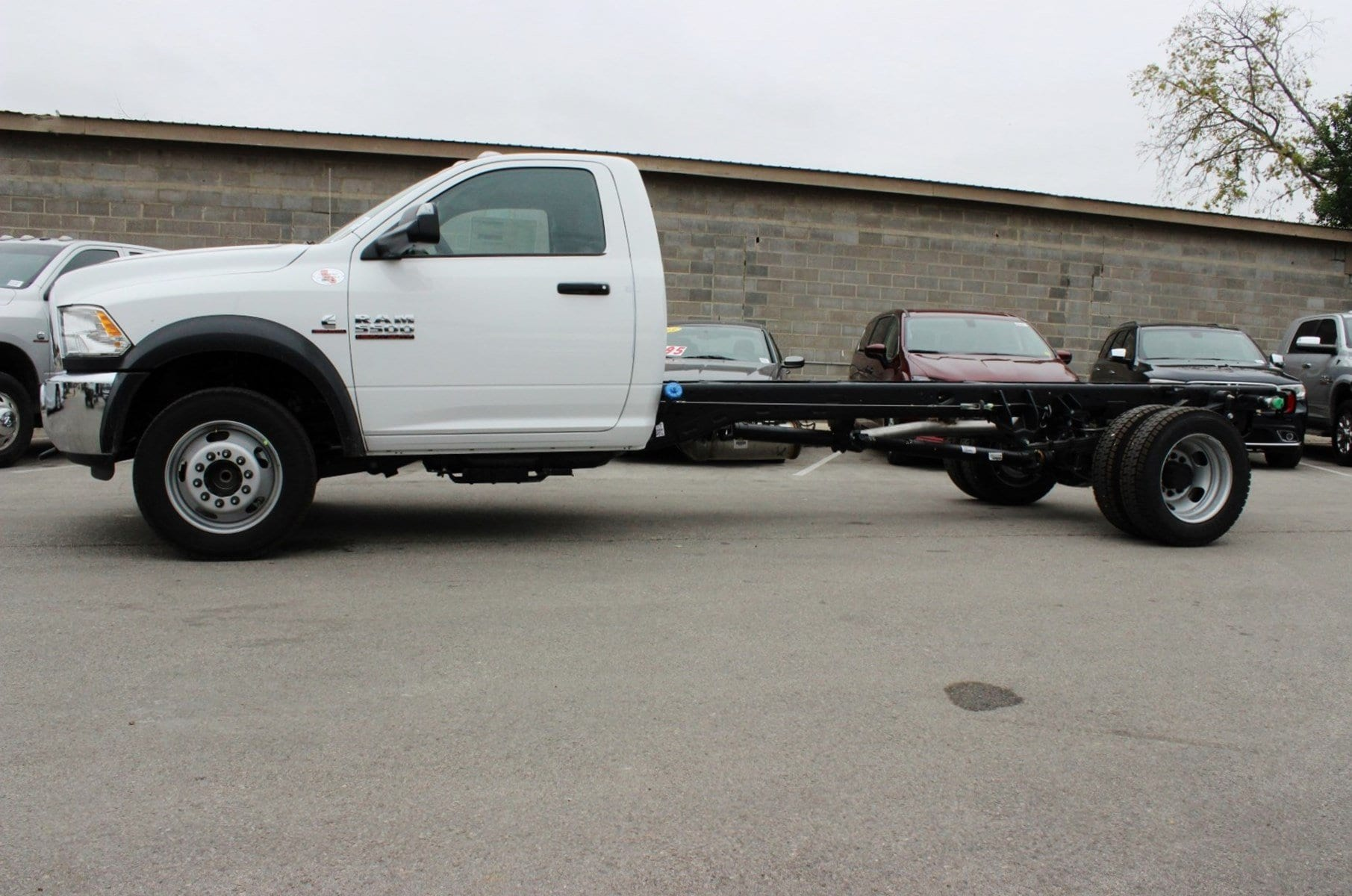 2018 Ram 5500 Regular Cab DRW Cab Chassis #TG137418 - photo 4