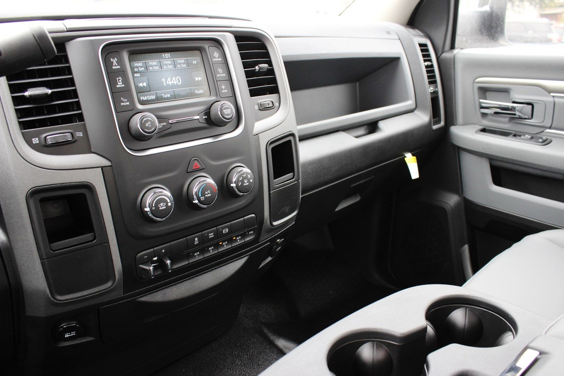 2018 Ram 5500 Regular Cab DRW Cab Chassis #TG143311 - photo 13