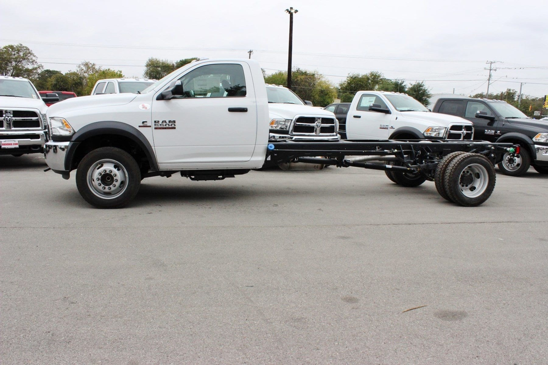 2018 Ram 5500 Regular Cab DRW Cab Chassis #TG143311 - photo 4
