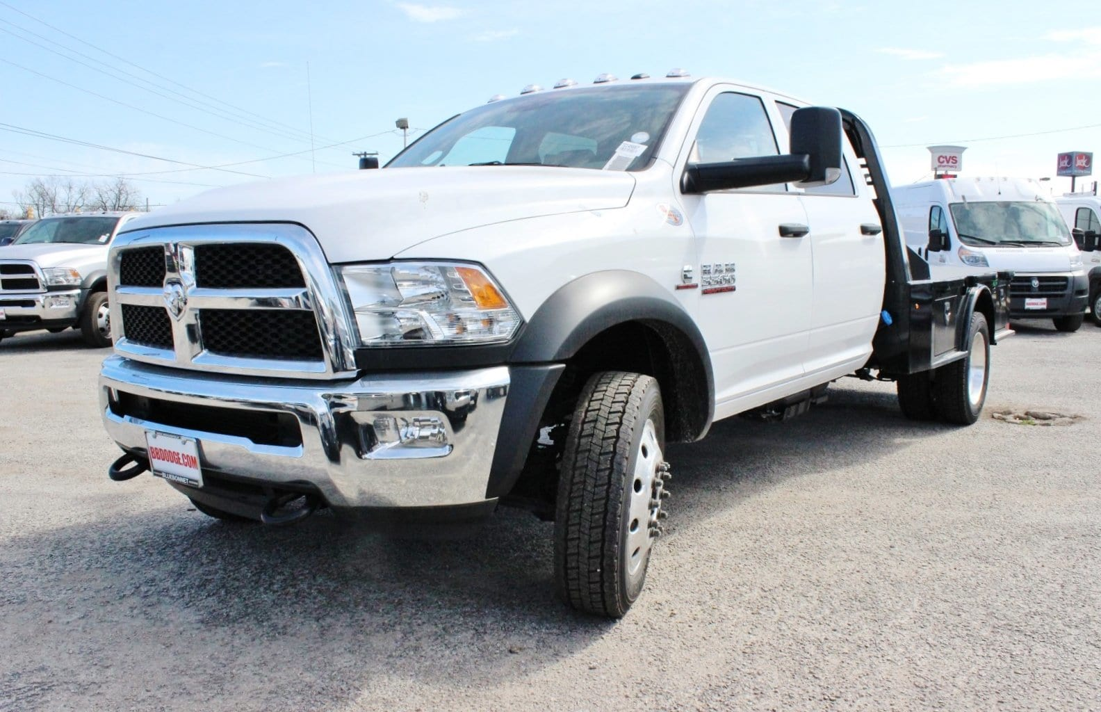 2018 Ram 5500 Crew Cab DRW 4x4, Flatbed #TG145667 - photo 3
