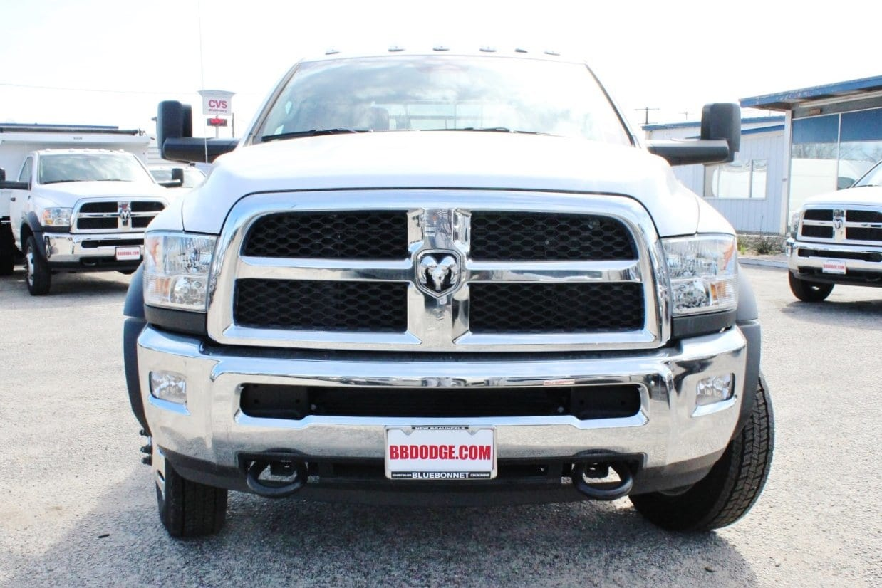 2018 Ram 5500 Crew Cab DRW 4x4, Flatbed #TG145667 - photo 5
