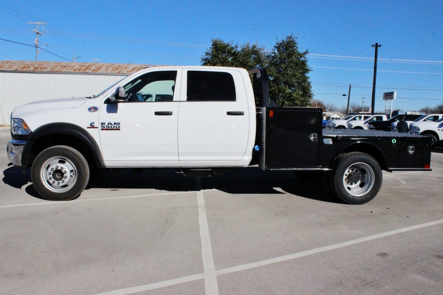 2018 Ram 5500 Crew Cab DRW 4x4, Hauler Body #TG145678 - photo 4