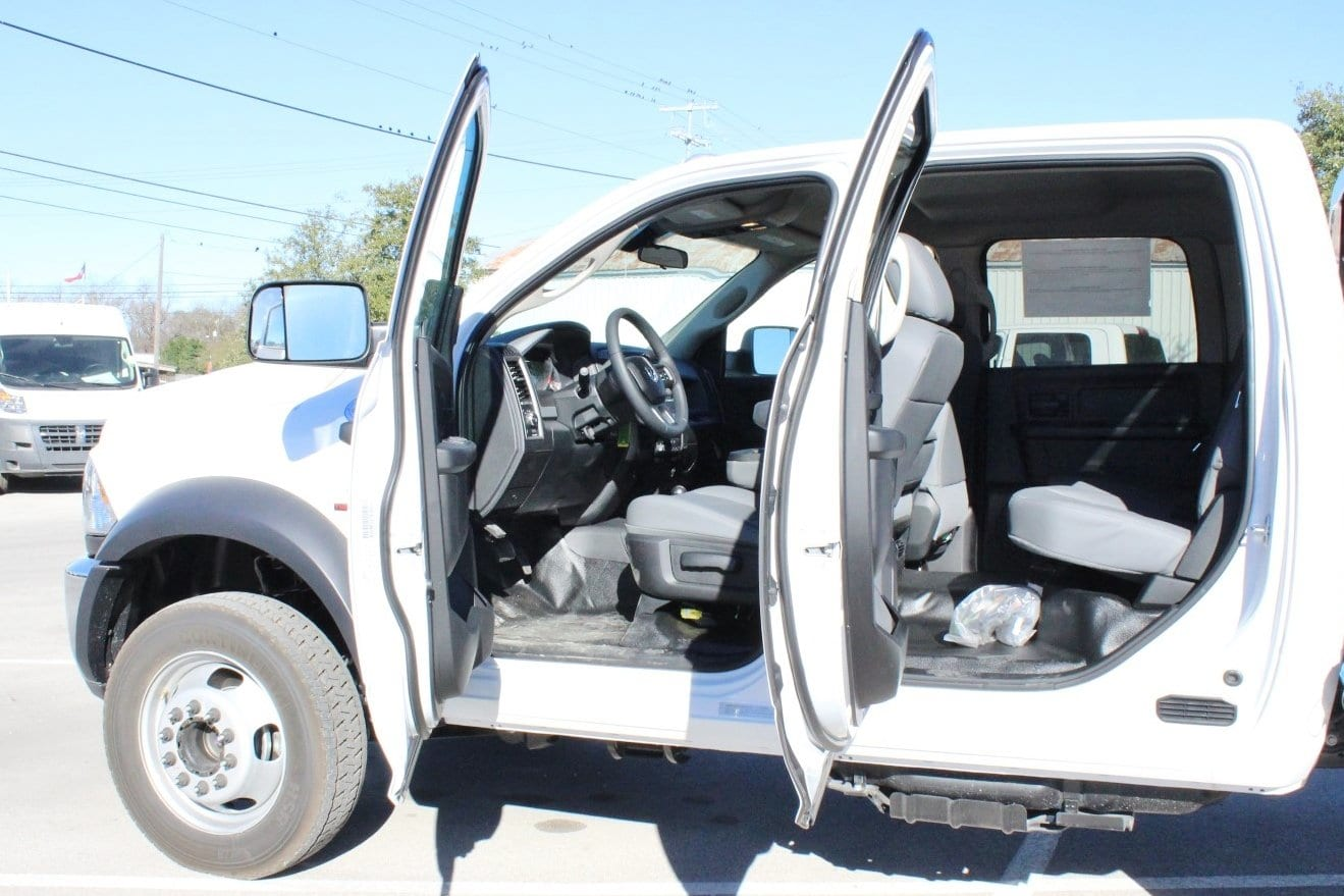2018 Ram 5500 Crew Cab DRW 4x4, Hauler Body #TG145678 - photo 15