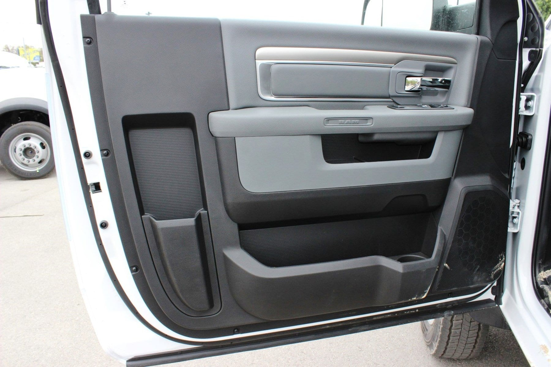 2018 Ram 5500 Regular Cab DRW Cab Chassis #TG145803 - photo 11