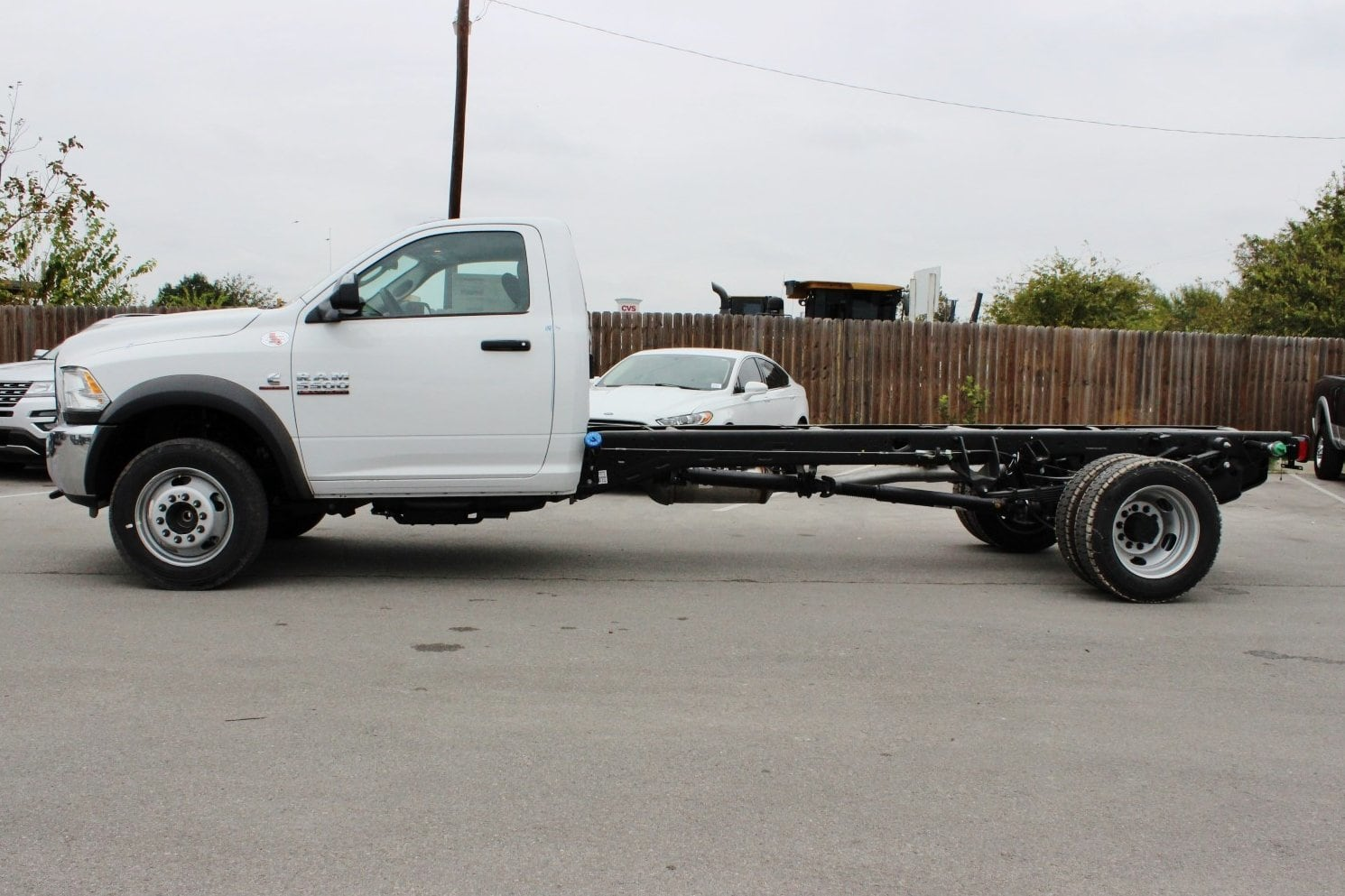 2018 Ram 5500 Regular Cab DRW Cab Chassis #TG145803 - photo 3