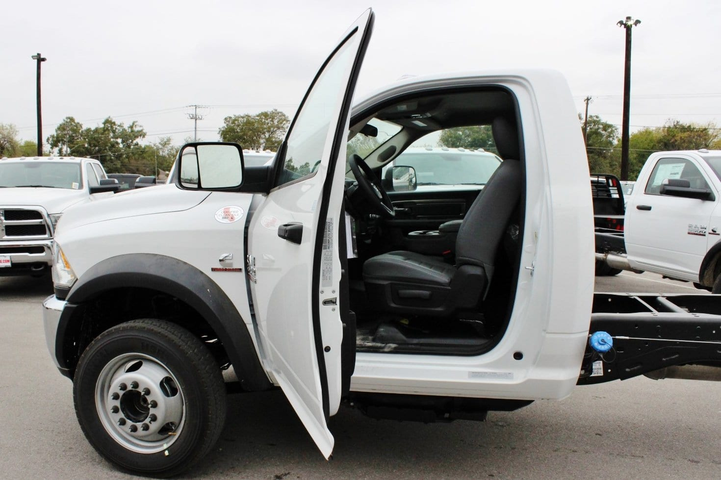 2018 Ram 5500 Regular Cab DRW Cab Chassis #TG145804 - photo 11