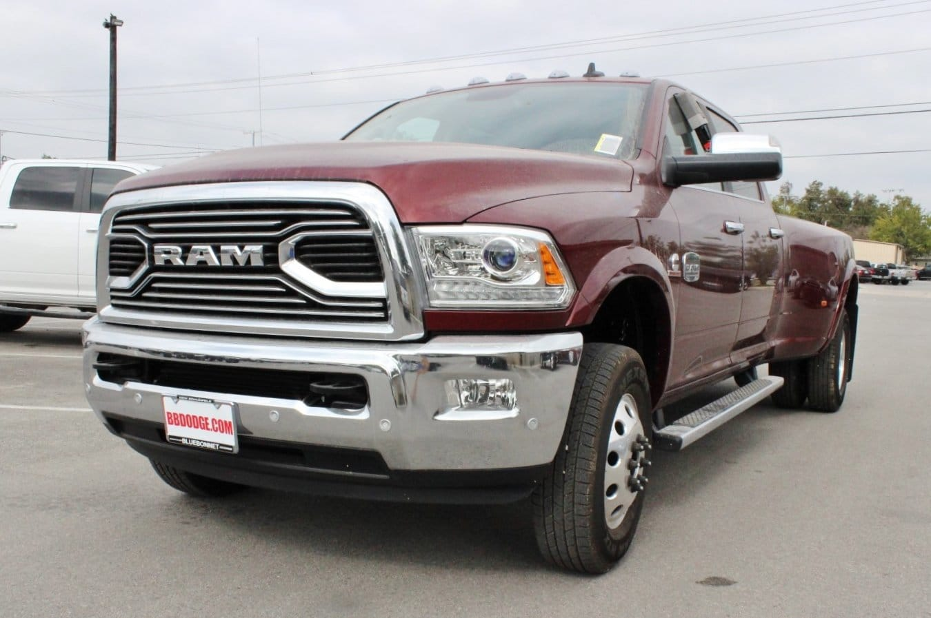 2018 Ram 3500 Crew Cab DRW 4x4, Pickup #TG146918 - photo 3