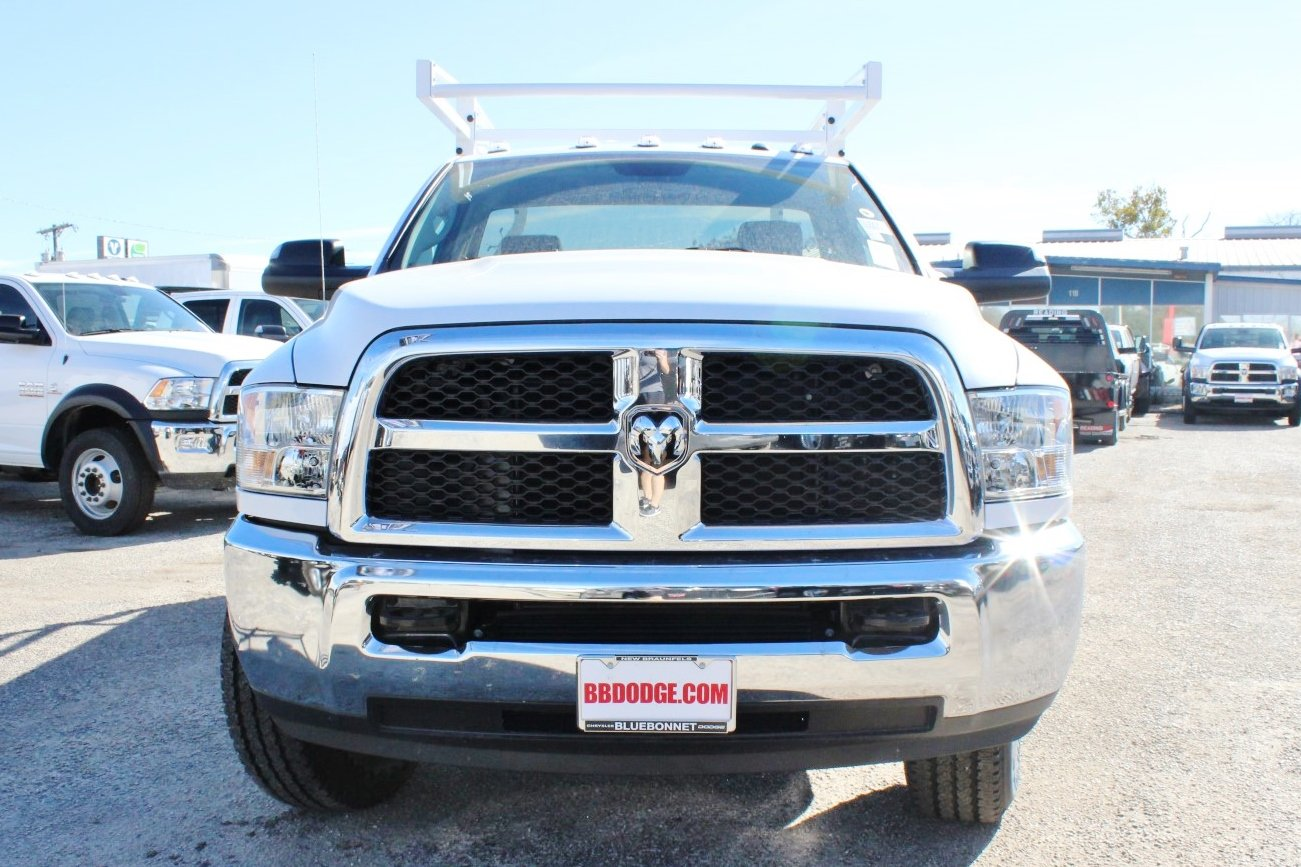 2018 Ram 2500 Regular Cab 4x4 Service Body #TG150639 - photo 5