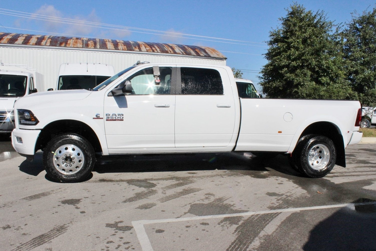 2018 Ram 3500 Crew Cab DRW 4x4,  Pickup #TG152909 - photo 3