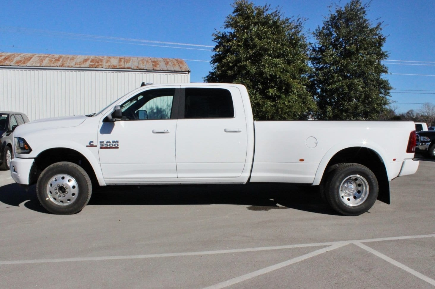 2018 Ram 3500 Crew Cab DRW 4x4,  Pickup #TG152910 - photo 3