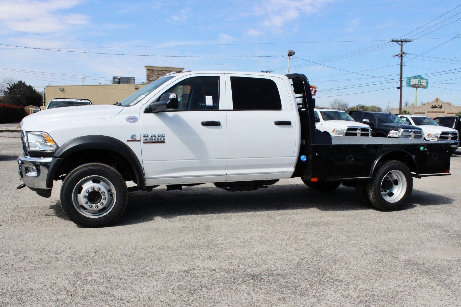 2018 Ram 4500 Crew Cab DRW 4x4, Flatbed #TG157701 - photo 4