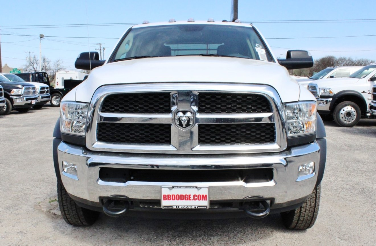 2018 Ram 4500 Crew Cab DRW 4x4, Flatbed #TG157701 - photo 5