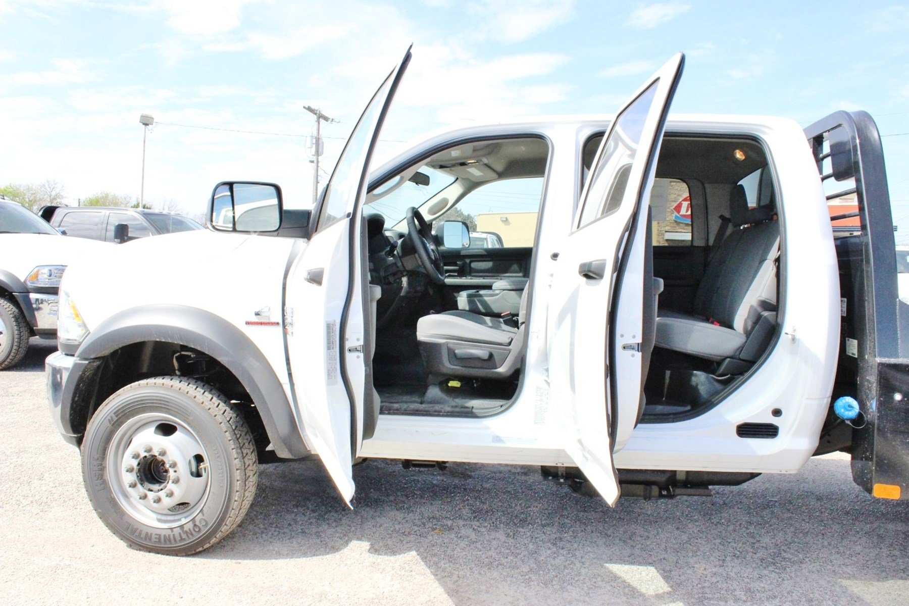 2018 Ram 4500 Crew Cab DRW 4x4, Flatbed #TG157701 - photo 13