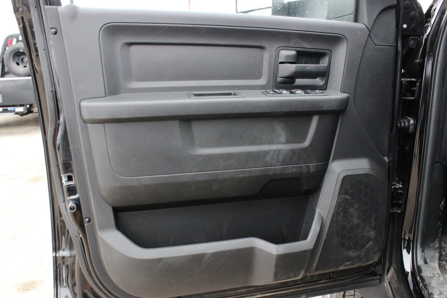 2018 Ram 5500 Crew Cab DRW 4x4, Hauler Body #TG182235 - photo 15