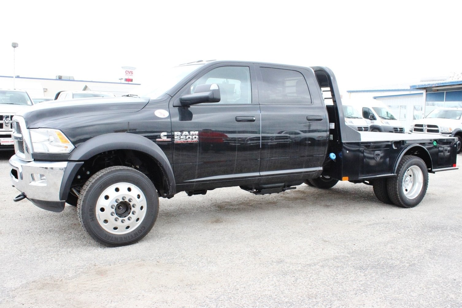 2018 Ram 5500 Crew Cab DRW 4x4, Flatbed #TG185375 - photo 5