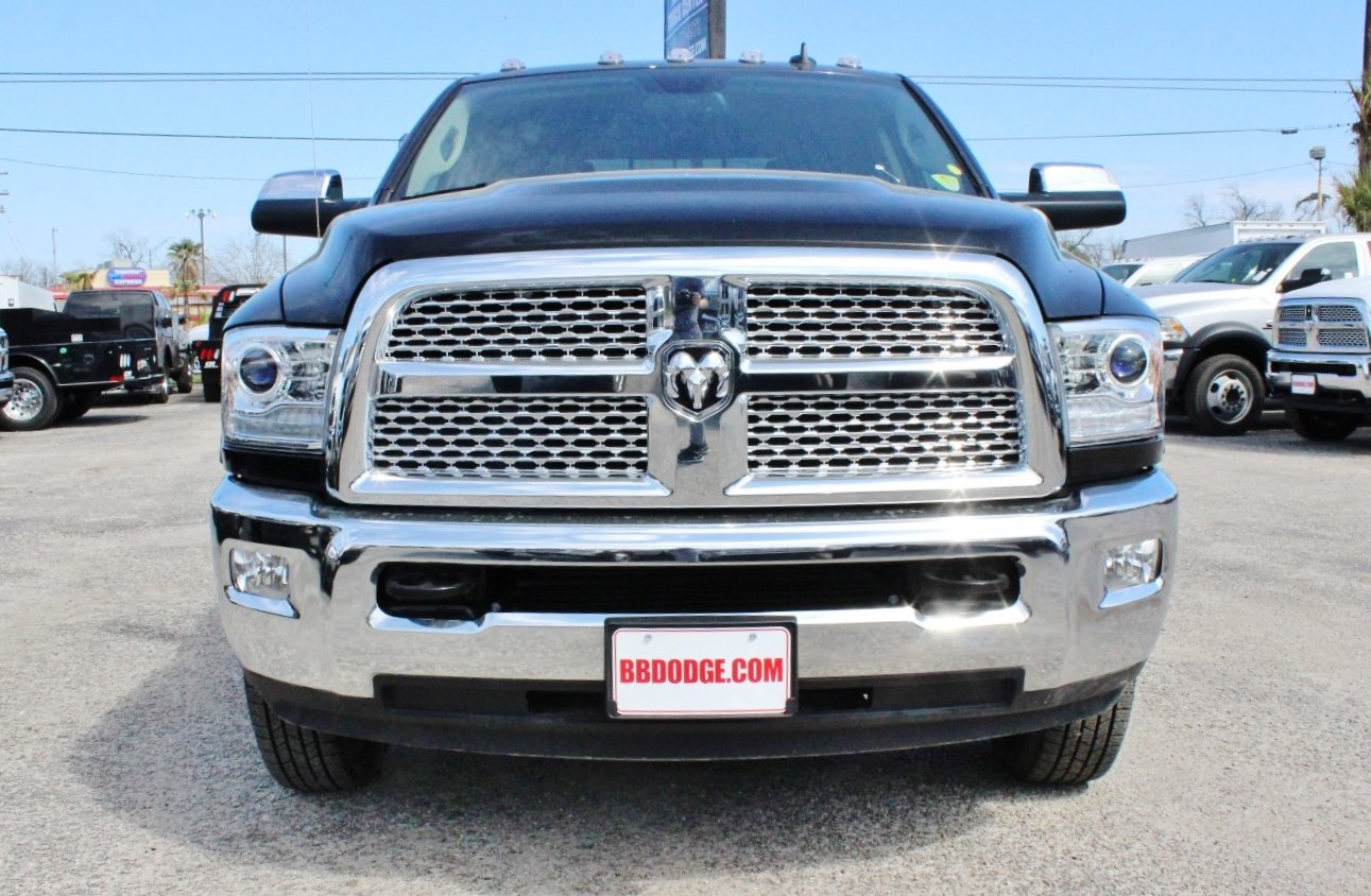 2018 Ram 3500 Crew Cab DRW 4x4, Flatbed #TG188766 - photo 4