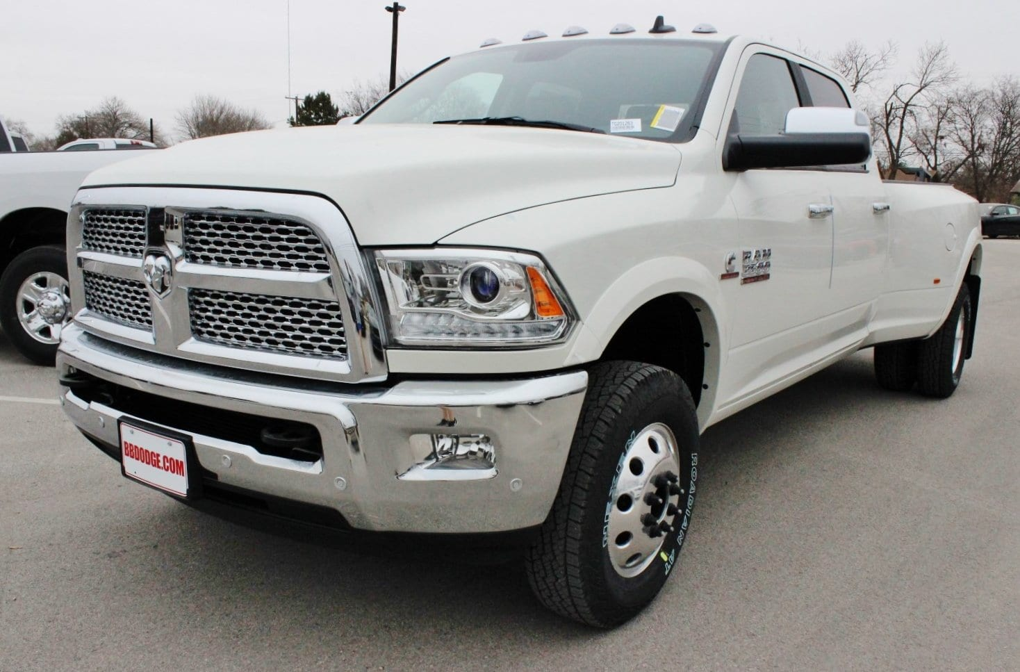 2018 Ram 3500 Crew Cab DRW 4x4, Pickup #TG201263 - photo 3