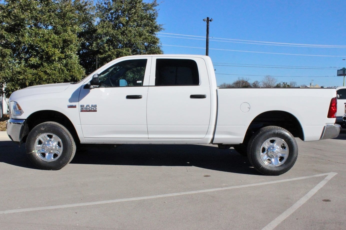2018 Ram 2500 Crew Cab 4x4, Pickup #TG206999 - photo 4