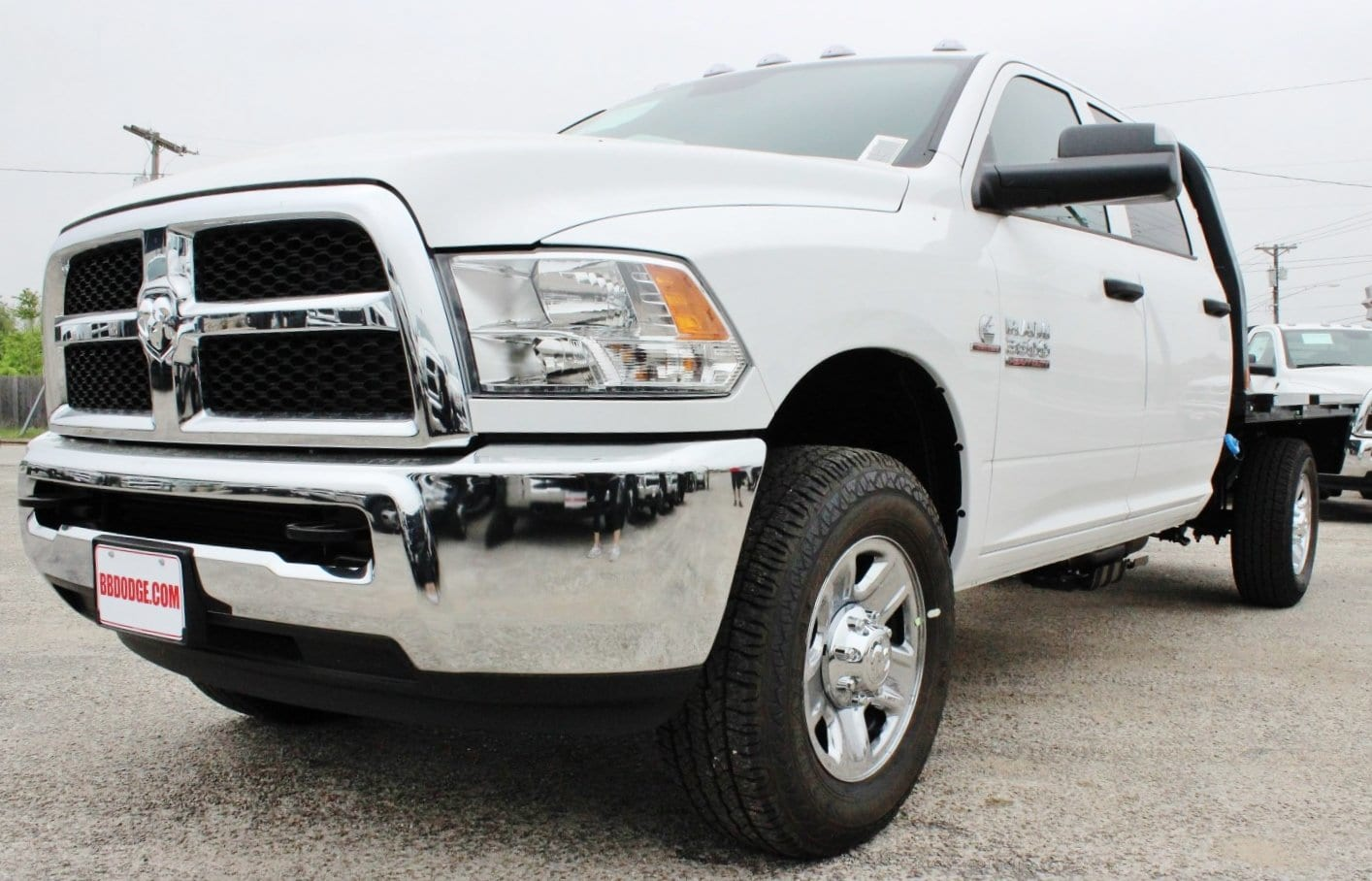 2018 Ram 3500 Crew Cab 4x4, Flatbed #TG215138 - photo 3