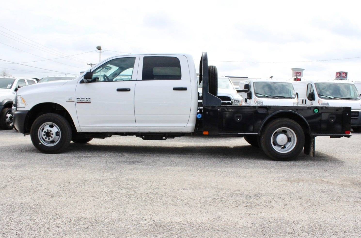 2018 Ram 3500 Crew Cab DRW 4x4, Flatbed #TG236898 - photo 3