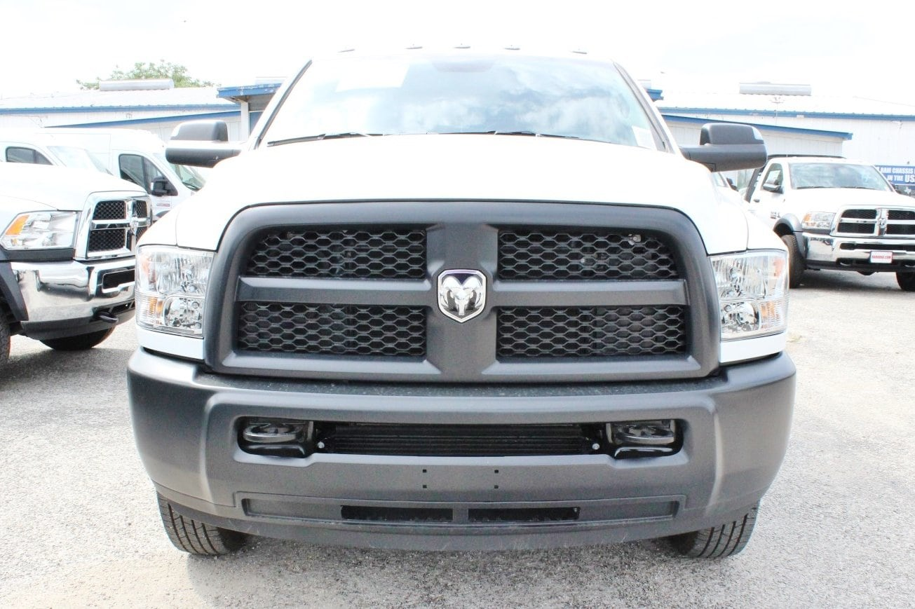 2018 Ram 3500 Crew Cab DRW 4x4, Flatbed #TG236898 - photo 4