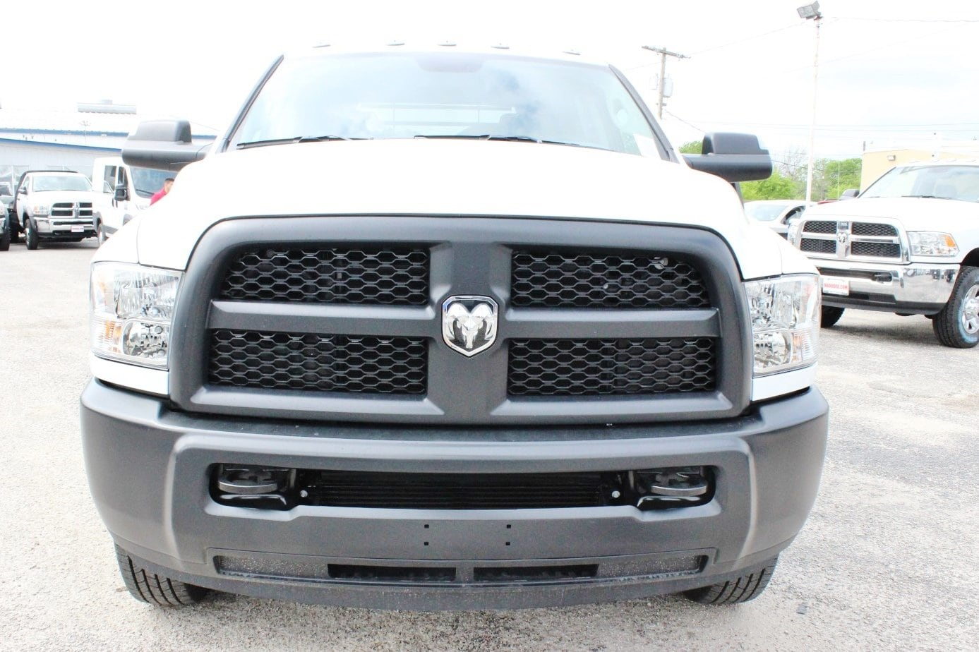 2018 Ram 3500 Crew Cab DRW 4x4, Flatbed #TG239538 - photo 4