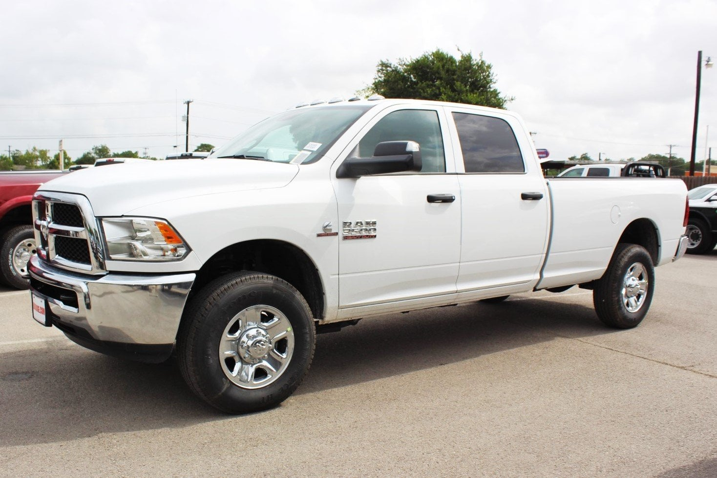 2018 Ram 3500 Crew Cab 4x4,  Pickup #TG292469 - photo 4
