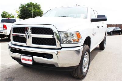 2018 Ram 3500 Crew Cab 4x4,  Pickup #TG292469 - photo 3
