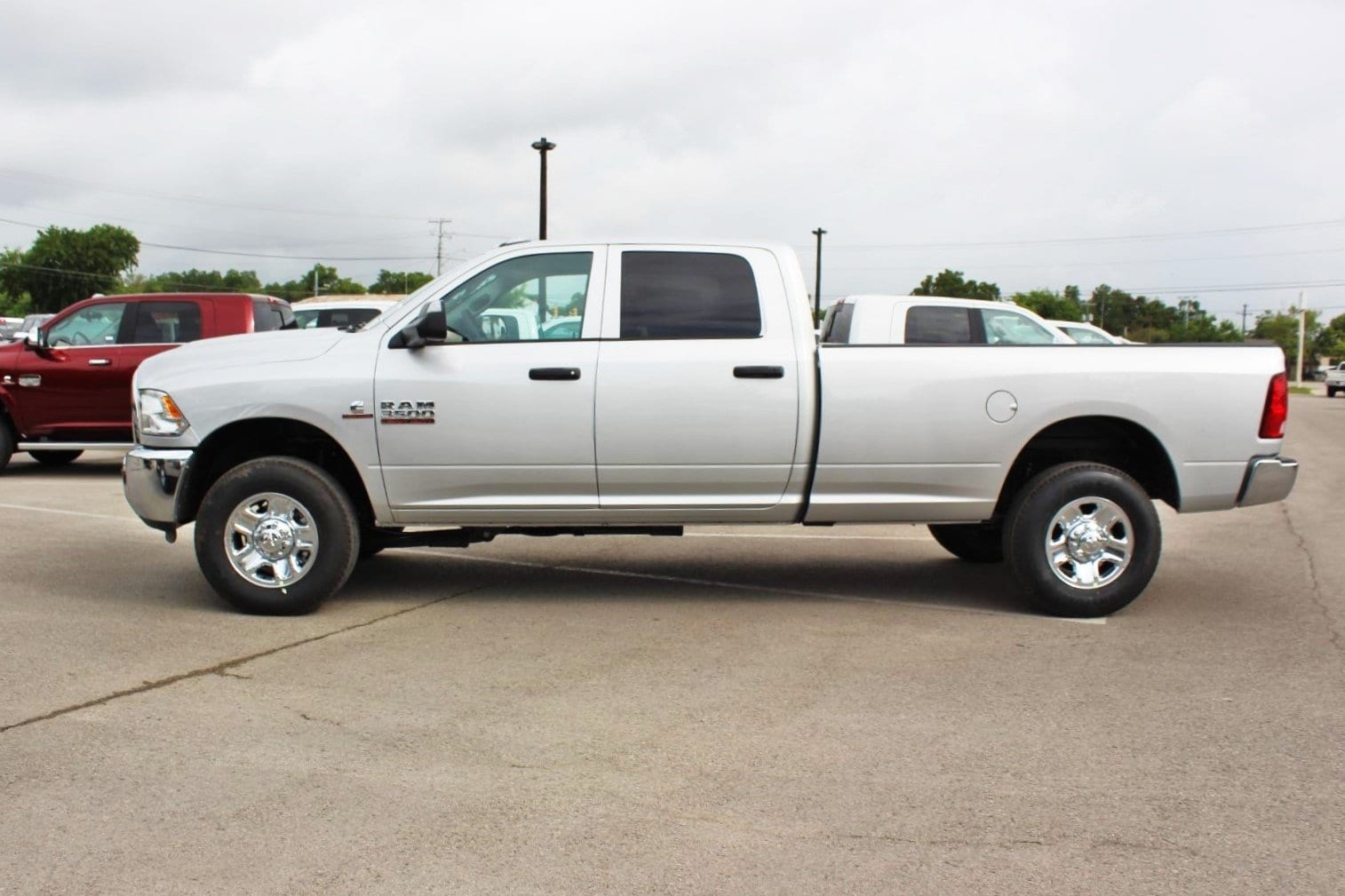2018 Ram 3500 Crew Cab 4x4,  Pickup #TG299179 - photo 4