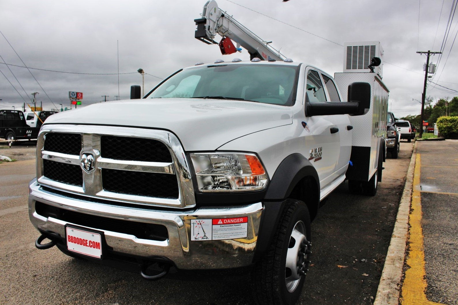2018 Ram 5500 Crew Cab DRW 4x4,  Service Body #TG321384 - photo 3