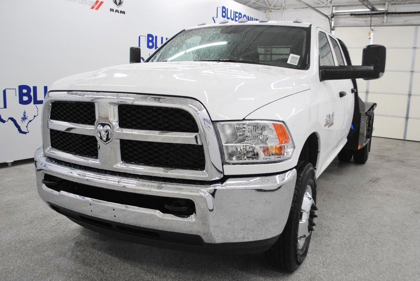 2018 Ram 3500 Crew Cab DRW 4x4,  CM Truck Beds Flatbed #TG325336 - photo 3