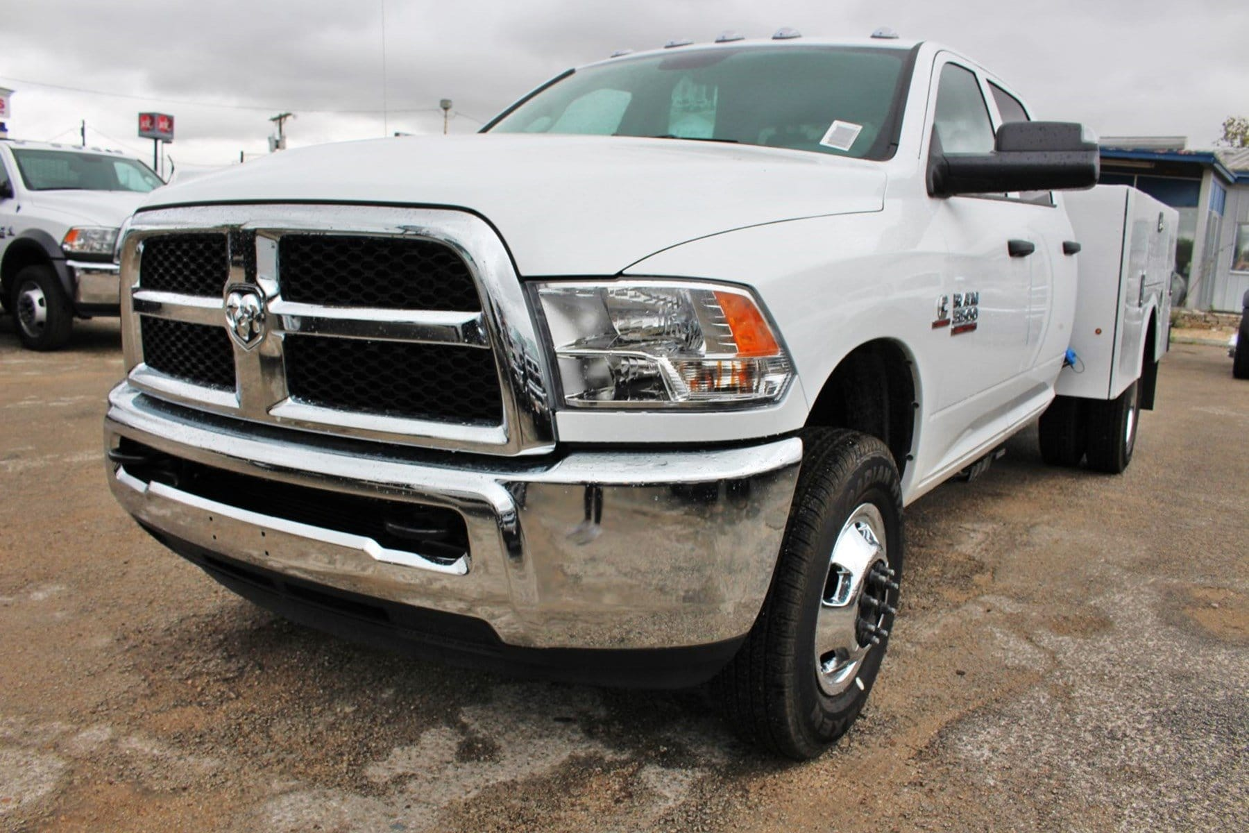2018 Ram 3500 Crew Cab DRW 4x4,  Service Body #TG325343 - photo 3