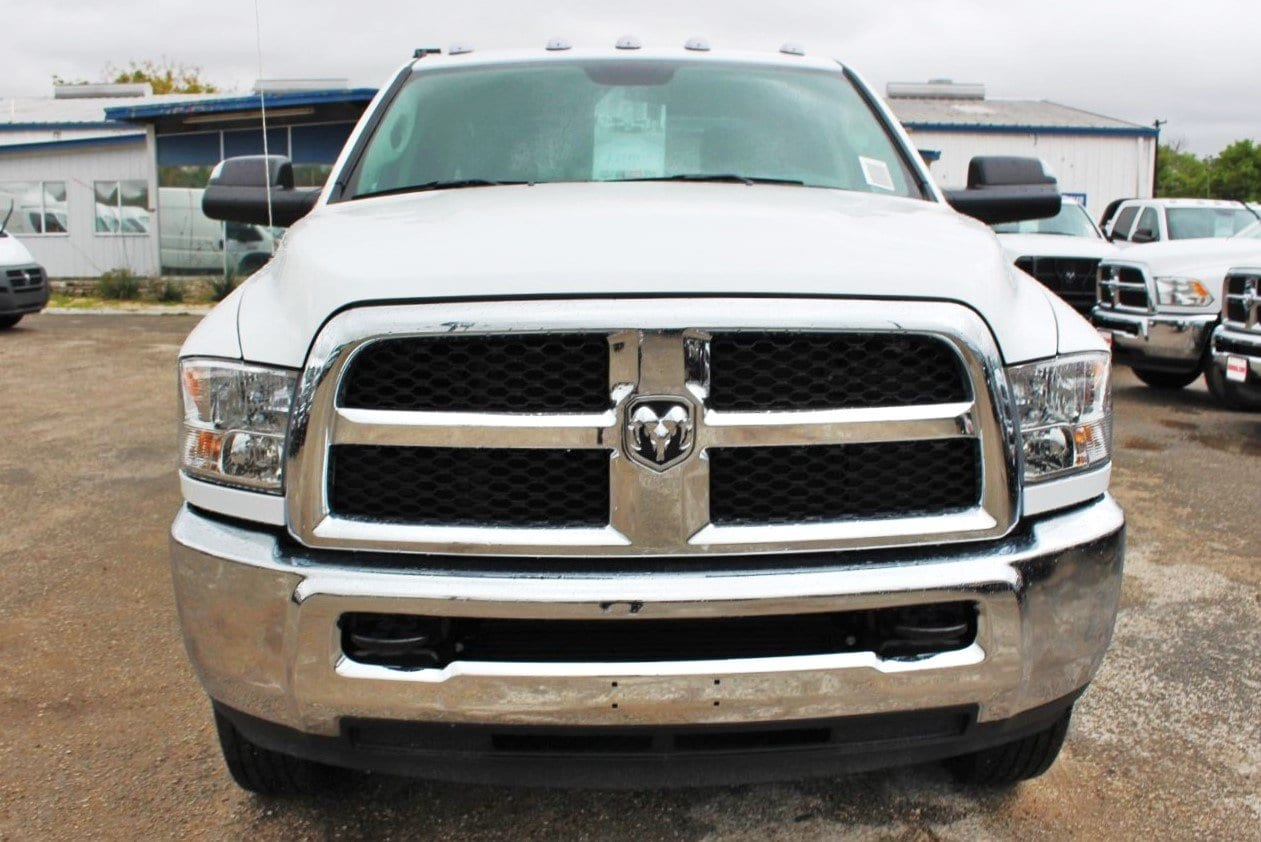 2018 Ram 3500 Crew Cab DRW 4x4,  Service Body #TG325343 - photo 5