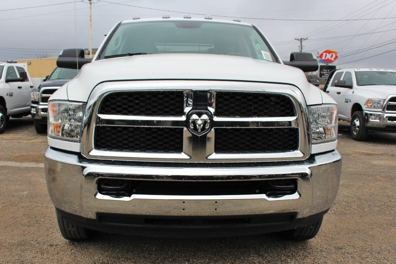 2018 Ram 3500 Crew Cab DRW 4x4,  CM Truck Beds Flatbed #TG362778 - photo 5