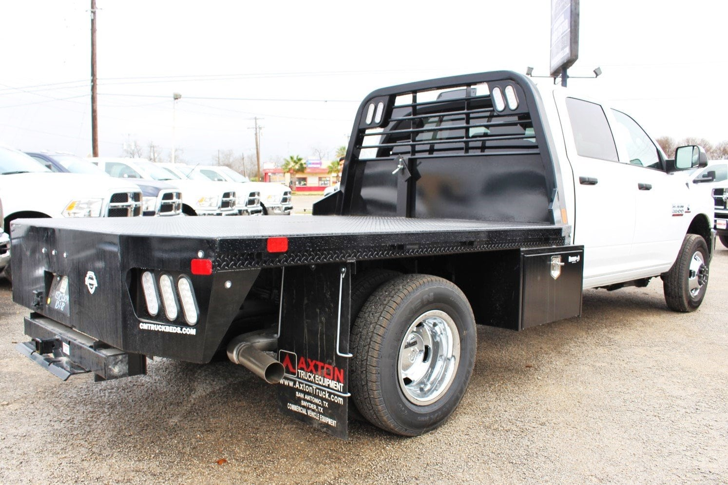 2018 Ram 3500 Crew Cab DRW 4x4,  CM Truck Beds Flatbed #TG362794 - photo 2