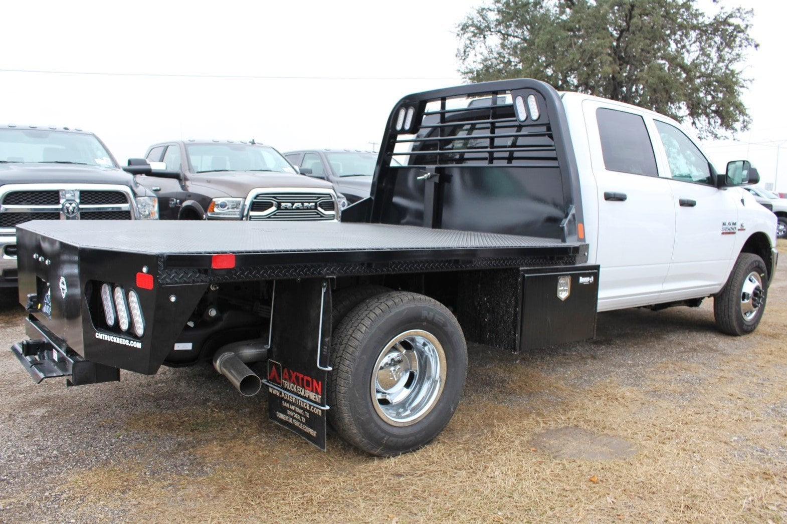2018 Ram 3500 Crew Cab DRW 4x4,  CM Truck Beds RD Model Flatbed #TG394831 - photo 2