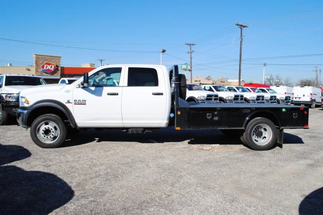 2017 Ram 5500 Crew Cab DRW 4x4, CM Truck Beds Flatbed #TG504155 - photo 3