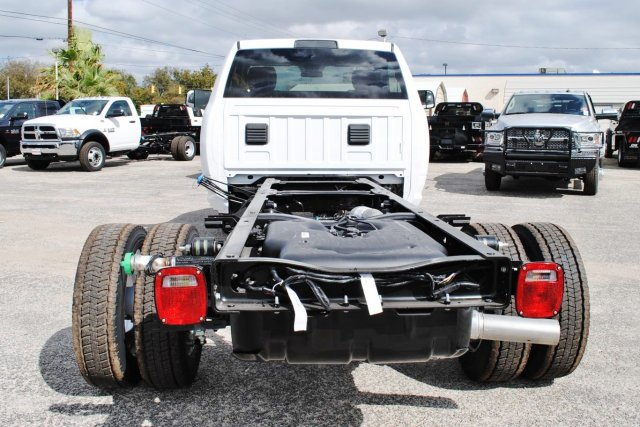 2017 Ram 4500 Regular Cab DRW, Cab Chassis #TG547956 - photo 11