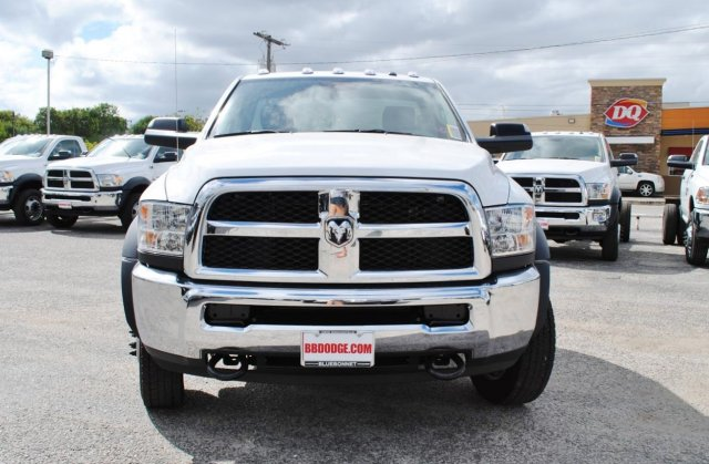2017 Ram 4500 Regular Cab DRW, Cab Chassis #TG547956 - photo 4