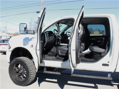 2017 Ram 2500 Crew Cab 4x4, Pickup #TG554908 - photo 16