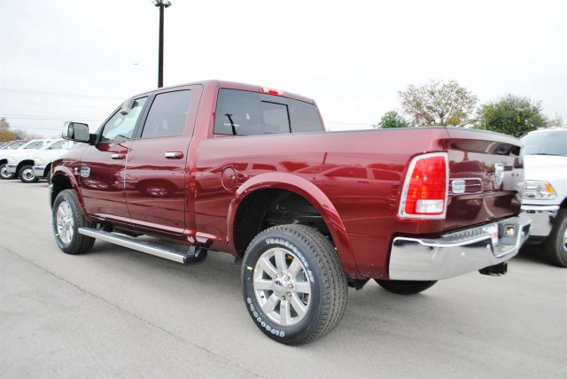 2017 Ram 2500 Crew Cab 4x4, Pickup #TG570515 - photo 2
