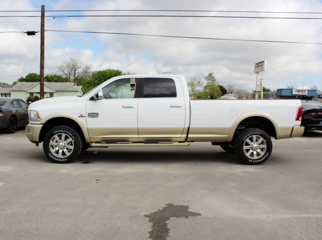 2017 Ram 2500 Crew Cab 4x4, Pickup #TG639596 - photo 3