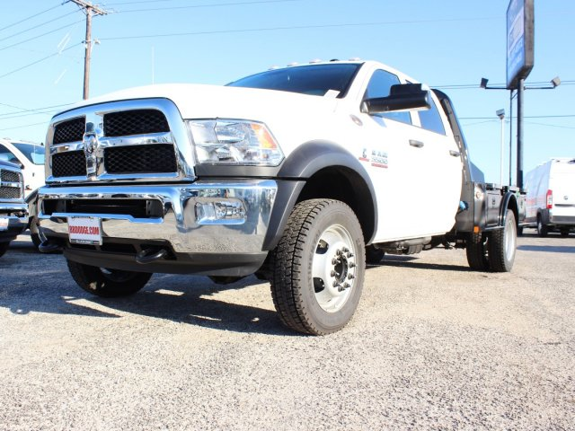 2017 Ram 5500 Crew Cab DRW 4x4, CM Truck Beds Flatbed #TG640086 - photo 3