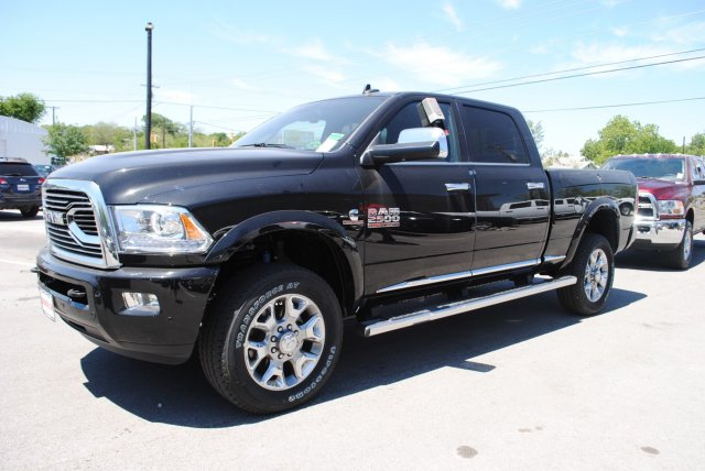 2017 Ram 2500 Crew Cab 4x4, Pickup #TG644659 - photo 3
