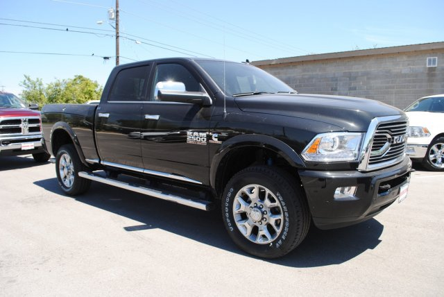 2017 Ram 2500 Crew Cab 4x4, Pickup #TG644659 - photo 5