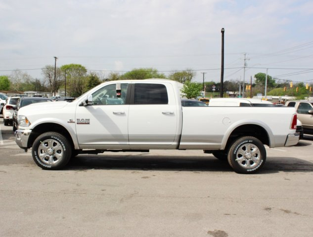 2017 Ram 2500 Crew Cab 4x4, Pickup #TG644672 - photo 3