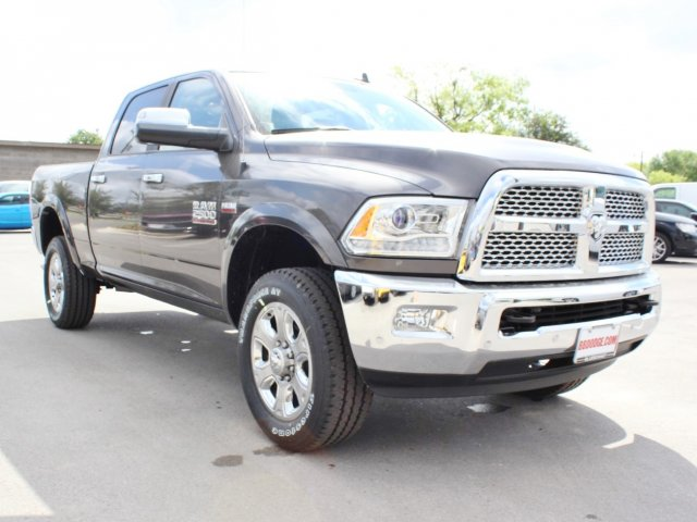 2017 Ram 2500 Crew Cab 4x4, Pickup #TG644673 - photo 5